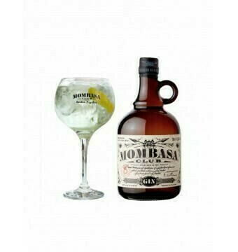 * Mombasa Gin Club + glas in doos * - Incl exclusieve ZUCO T-shirt twv 25 euro - Pipers Chips - Soft drinks