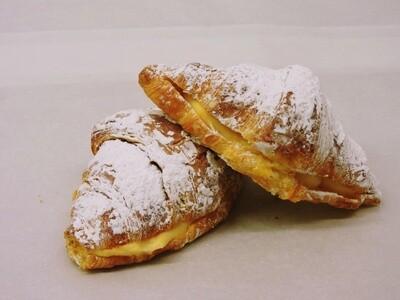 Croissant met pudding