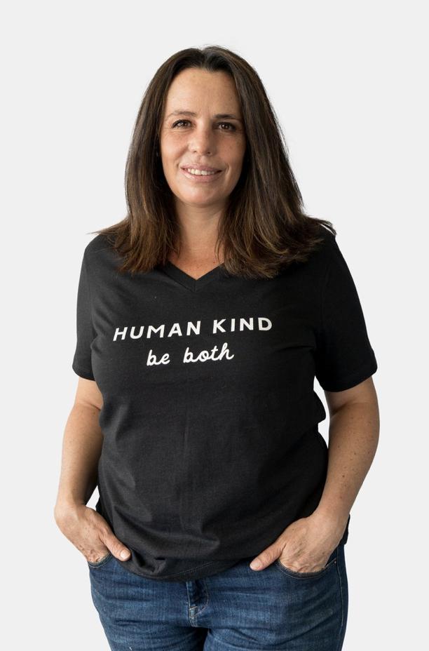 Human Kind V-Neck Tee-Blk