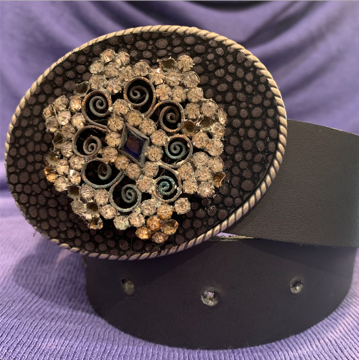 Vtg. Hat Pin Statement Belt