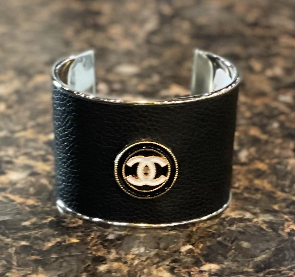 Blk Leather Chanel Statement Cuff