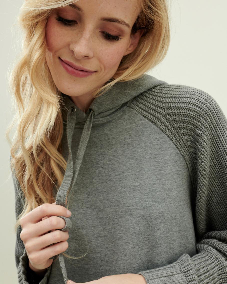 H. Grey Sweater/Hoodie