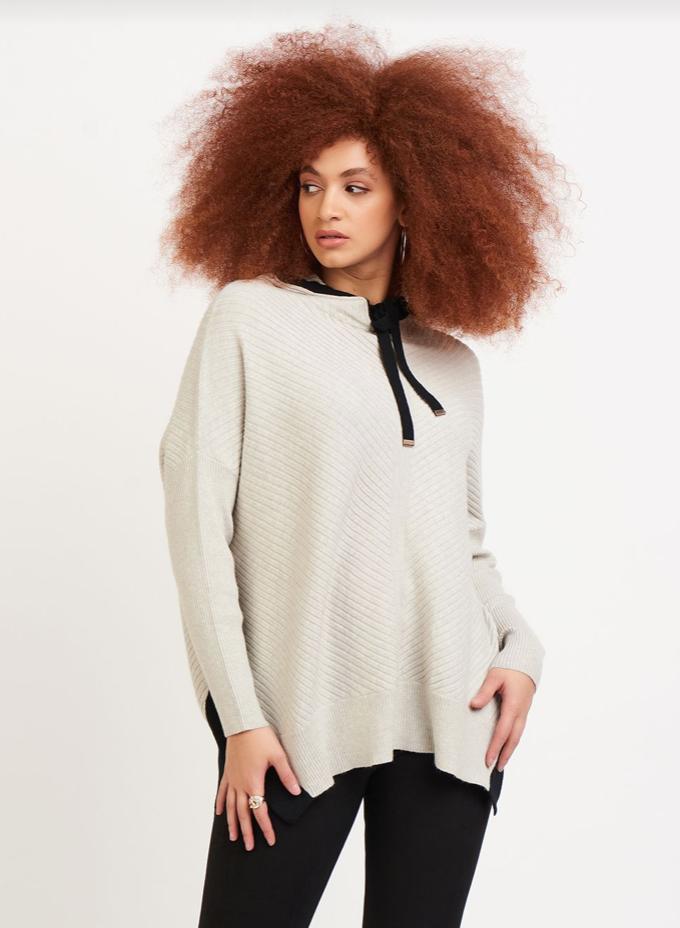 Oat/Blk Hooded Sweater