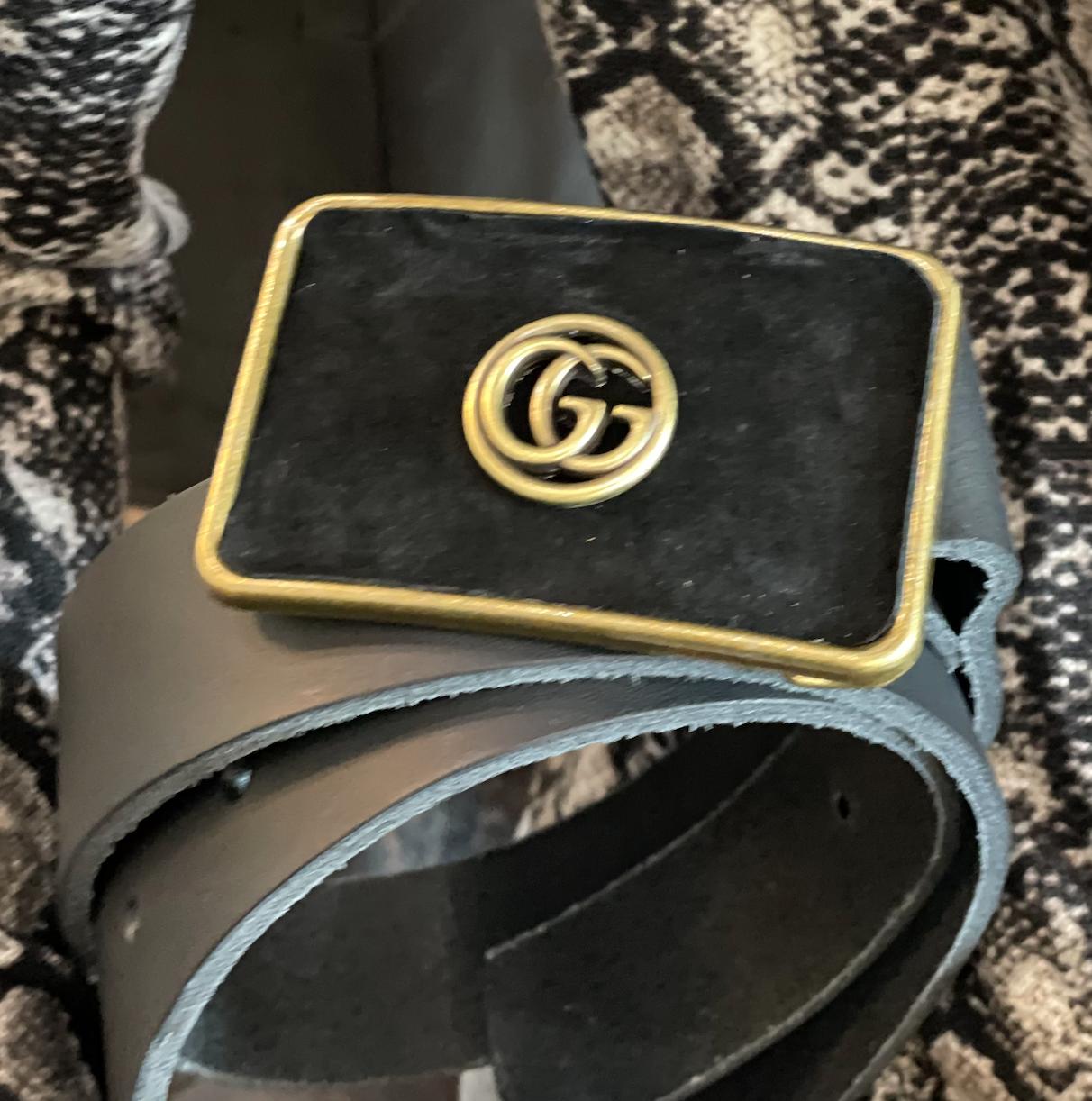 Gucci Button Sueded Petite Belt