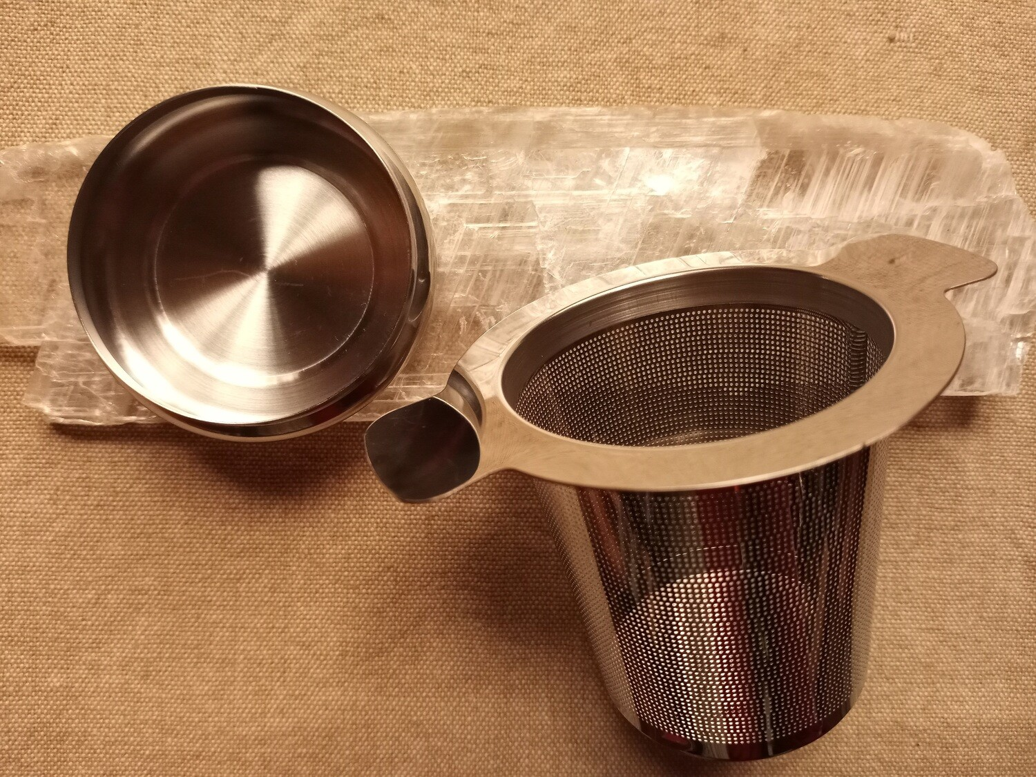 "Cylinder Stainless Steel Tea Strainer 3"" w/Lid"