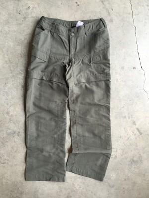 496 north face green pants size 2 womens 051720
