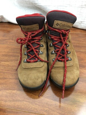 258 Columbia brown hiking boots size 8.5 womens  070820