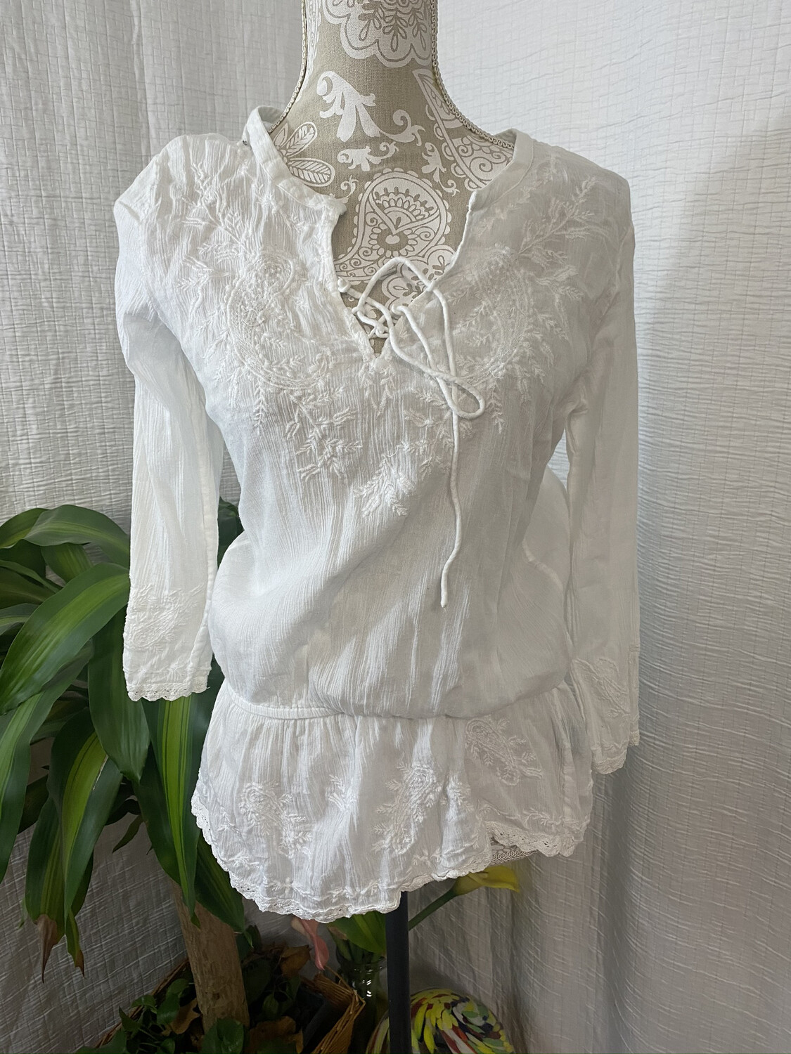 668 ralph lauren white embroidered long sleeve top womens size xs