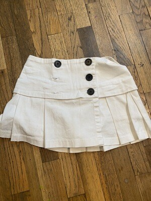 874 venus white pleated womens skort with big black buttons size 2 081820