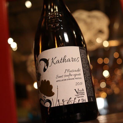Carre Katharos Muscadet France 750ml.