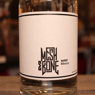 Mesh & Bone Sotol 750ml.