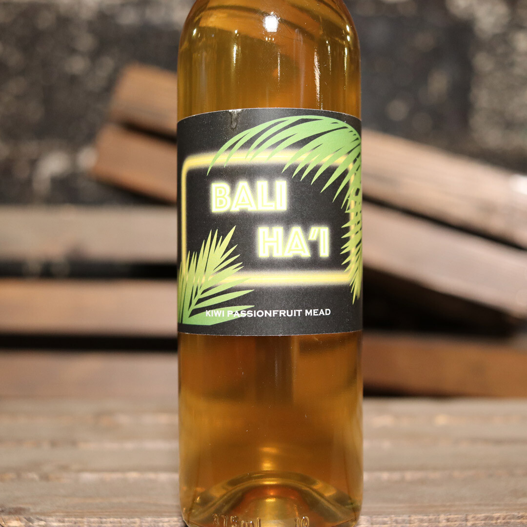 Misbeehavin' Mead Bali Ha'i Kiwi & Passionfruit Mead 375ml.