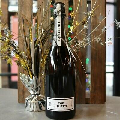 Une Femme The Juliette NV Premier Cru Champagne France 750ml.