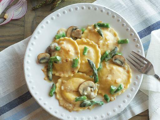 Cara Pasta - Portobello Mushroom Ravioli (round)