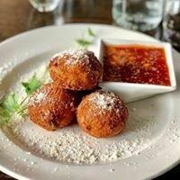 Majanna's - Arancini Balls w/Sauce 4-pack