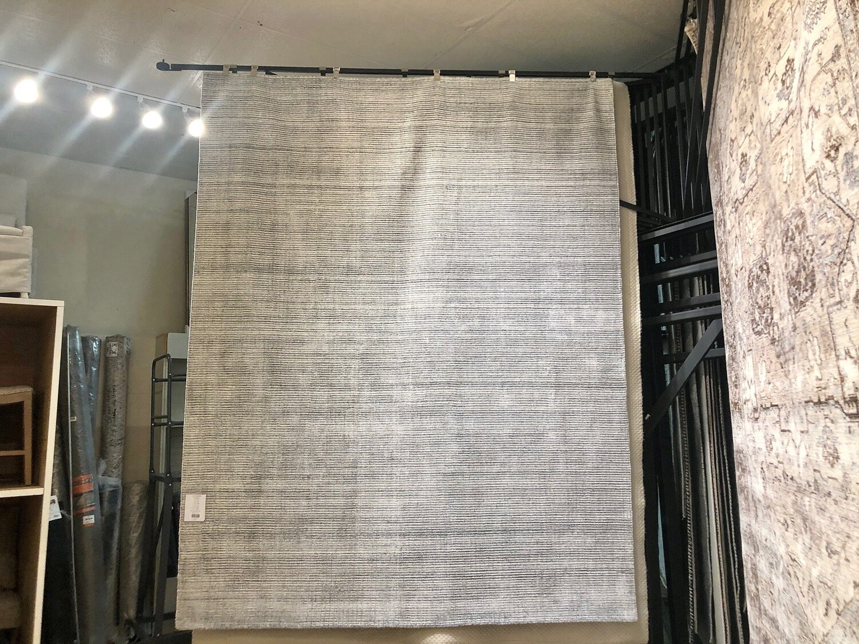 Gray/Silver/White Rug