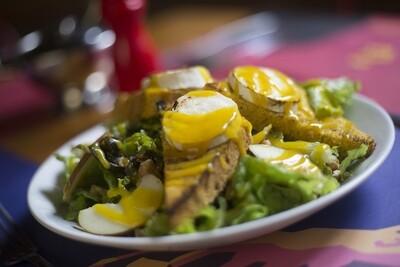 Menu JANTAR: Salade de chèvre chaud