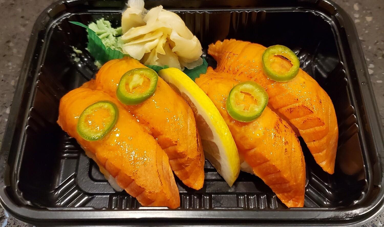 Sockeye Salmon Aburi (2pcs)