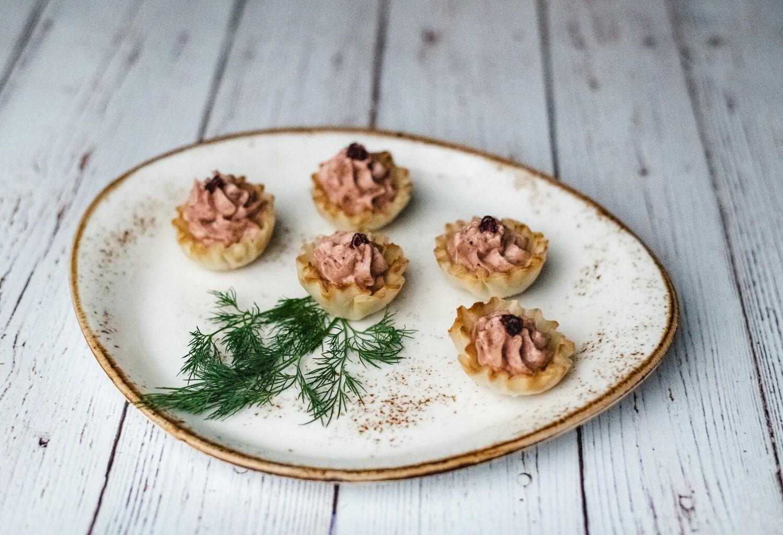 Croustillant de foie gras et oignons caramélisés