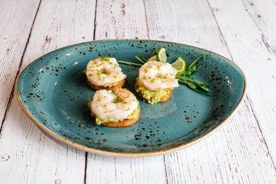 Guacamole et crevettes sur biscottes (3)