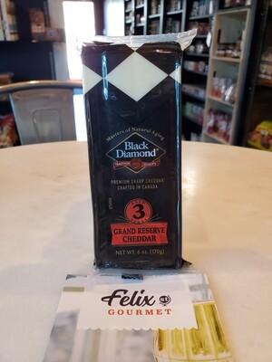 Black Diamond 3 Yr Grand Reserve White Cheddar 6 OZ
