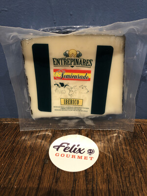 Entrepinares Spanish Blend Cheese Iberico 4 Months 150g