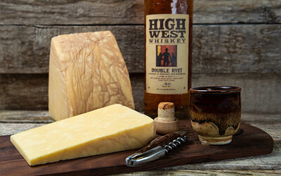Beehive Fully Loaded Whiskey Cheese 4 oz