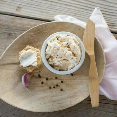 Green Dirt Farm Garlic Peppercorn Sheeps Milk 16 oz