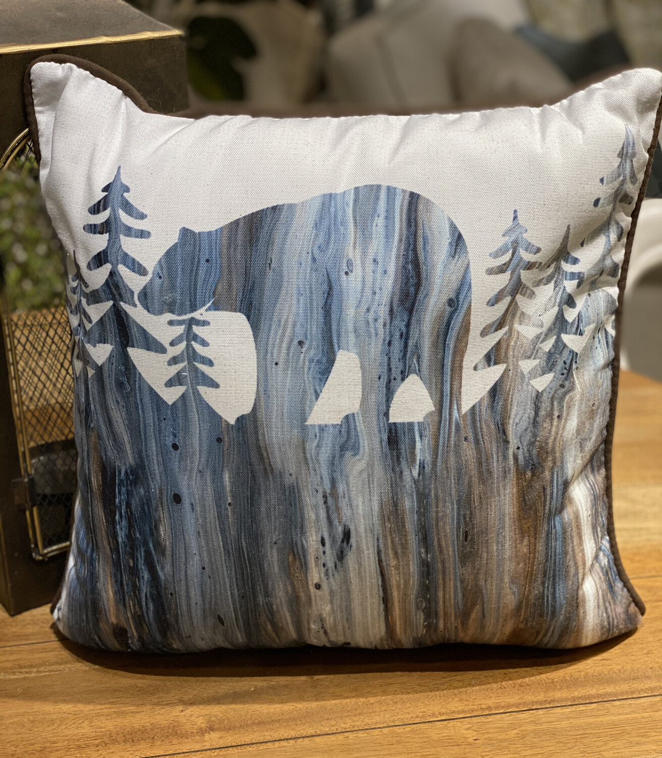 "MWW 17"" Pillow - HUL"