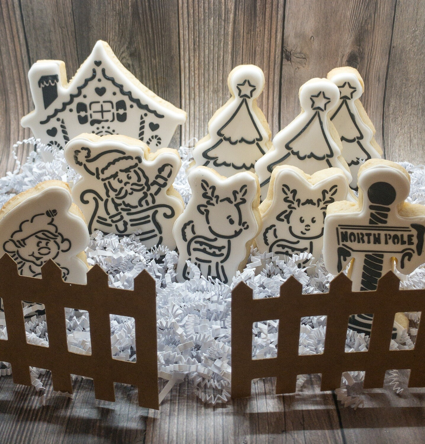 North Pole PYO Tablescape (7 piece cutters ONLY)