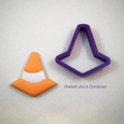 Traffic Cone 02