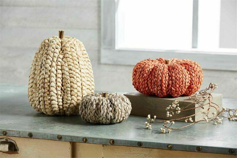MudPie Large Corn Husk Pumpkin