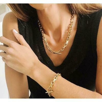 Sahira Alexis Toggle Bracelet