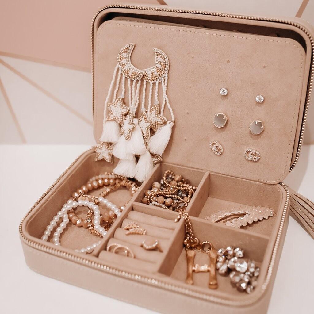 Hollis Jewelry Organizer