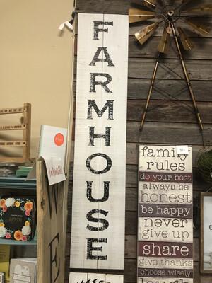 Farmhouse Leaner