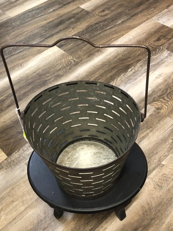 LG Slotted Bucket