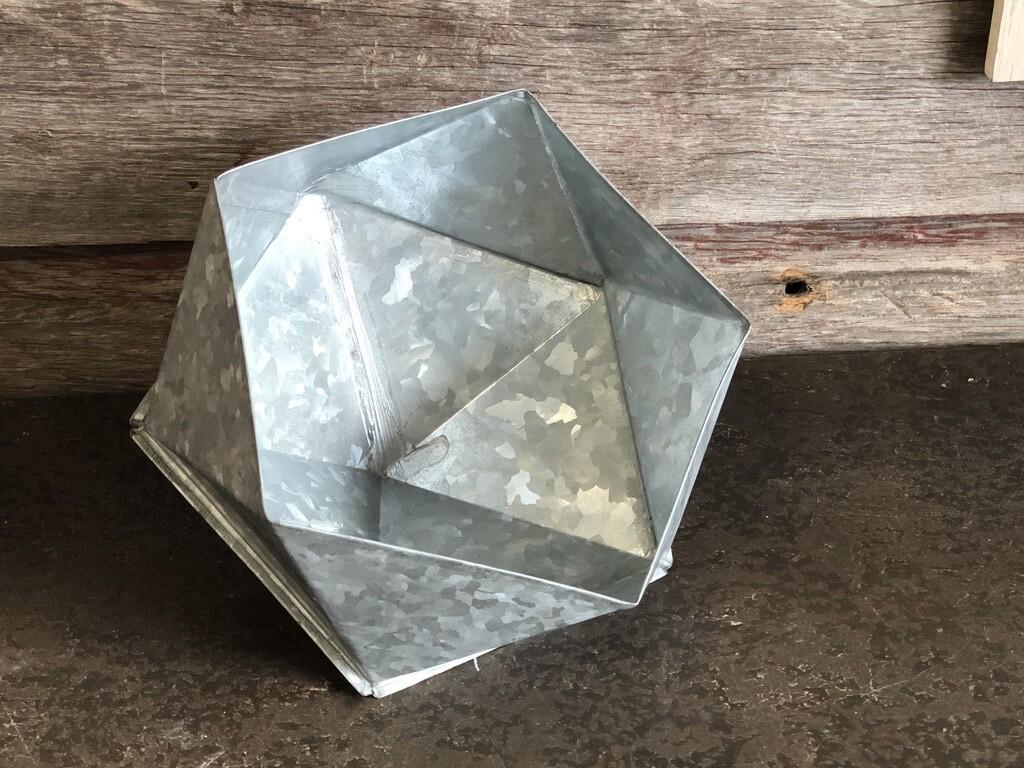 Geometric Hooded LG