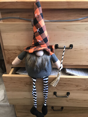 Lg Dangle Witch