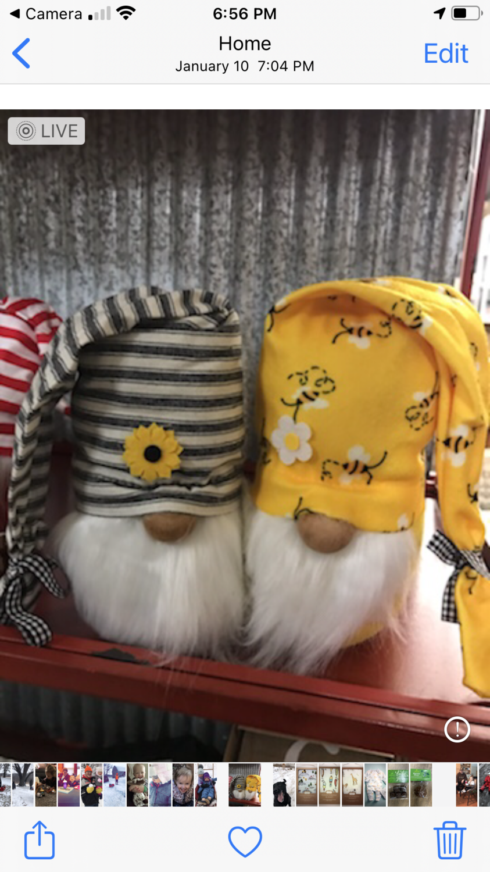 "8"" Bee & Sunflower Gnome"