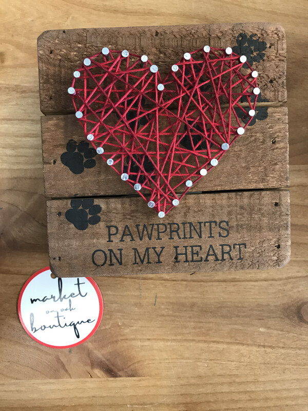 String Art Pawprints