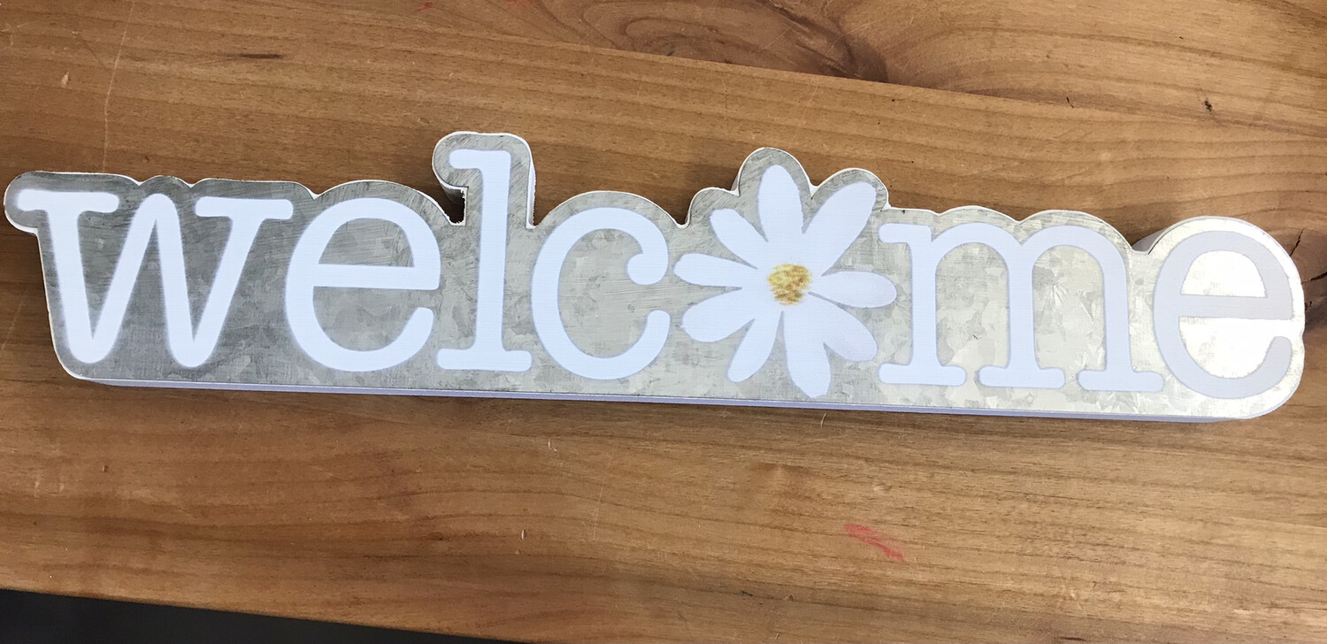 Welcome Daisy Sign