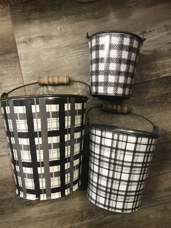 Checkered Buckets