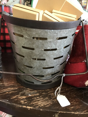 SM Slotted Bucket