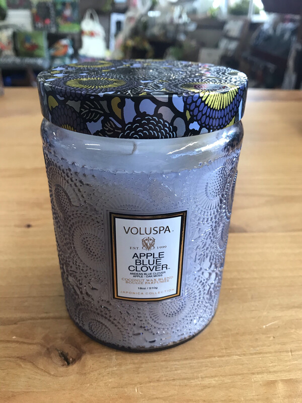 Apple Blue Clover 18oz Candle