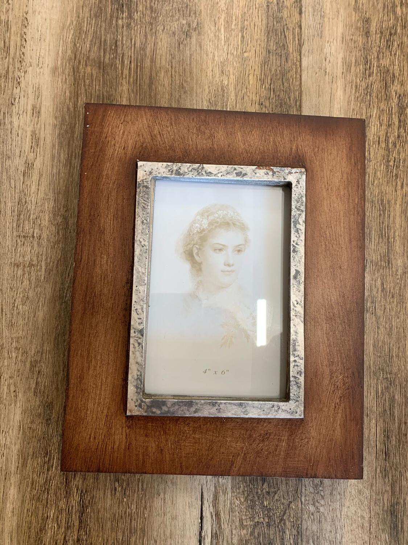 Iron & Wood 4 x 6 Frame