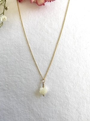 Venus Mother of Pearl Pendant Necklace - GDFD26