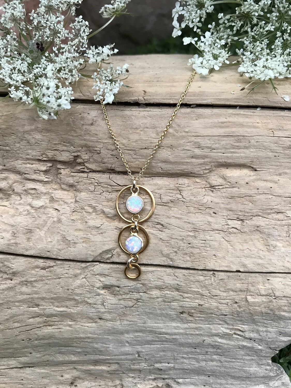 Opalescent Aphrodite Circles Necklace - GDFDLKN9