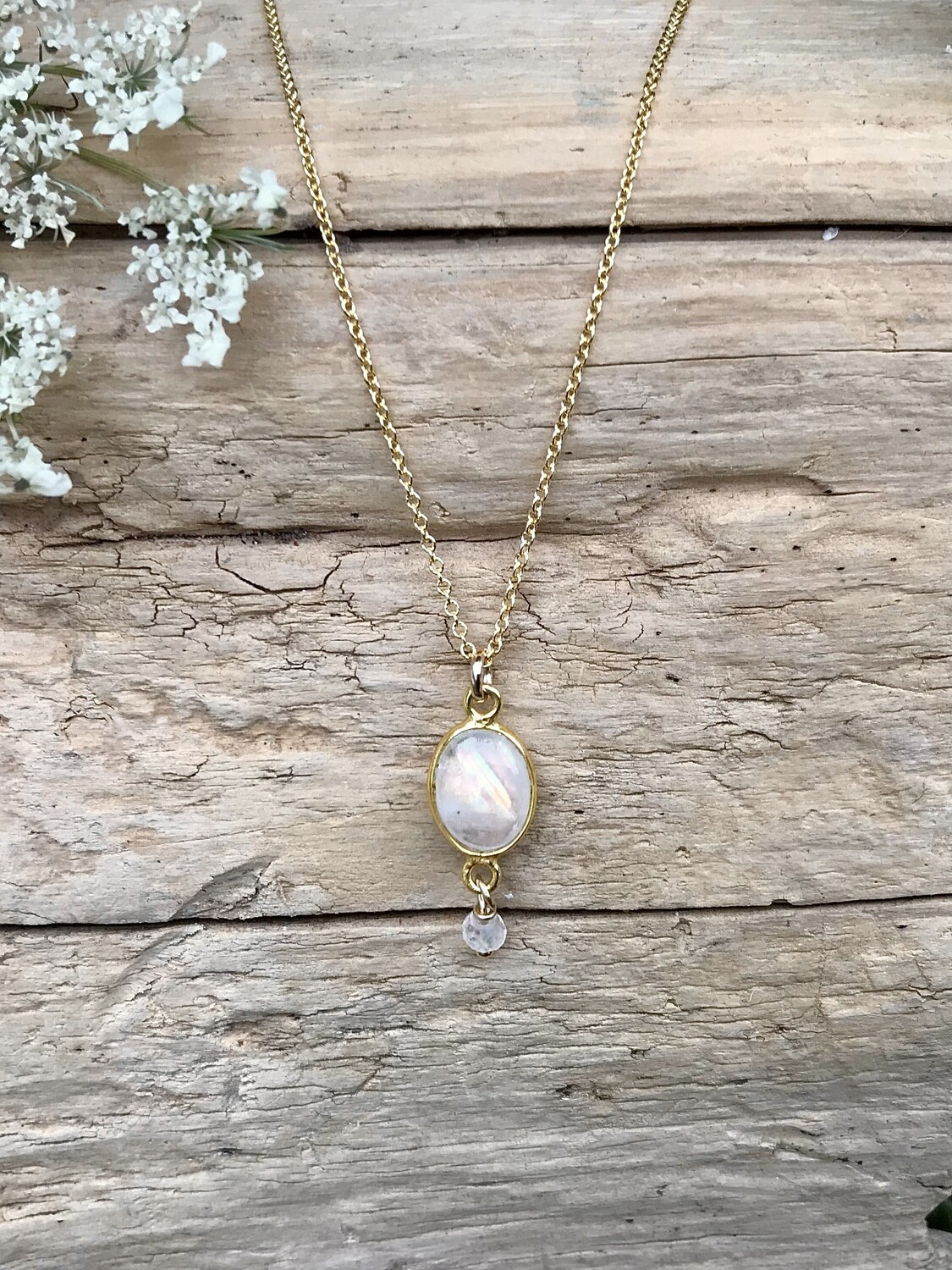 Moonstone Aphrodite Pendant Necklace - GDFDLKN5