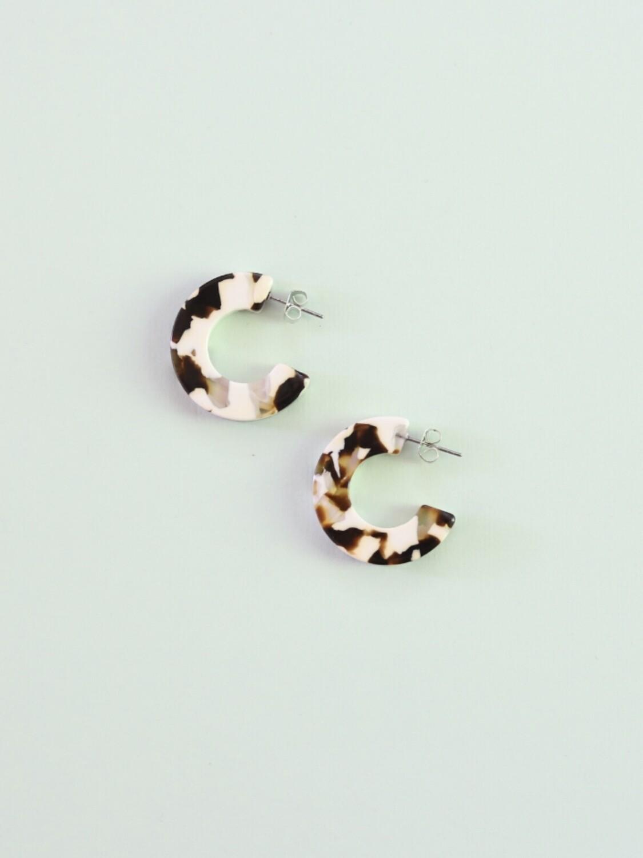 Ray Acetate Hoop Earrings - Coco Cream