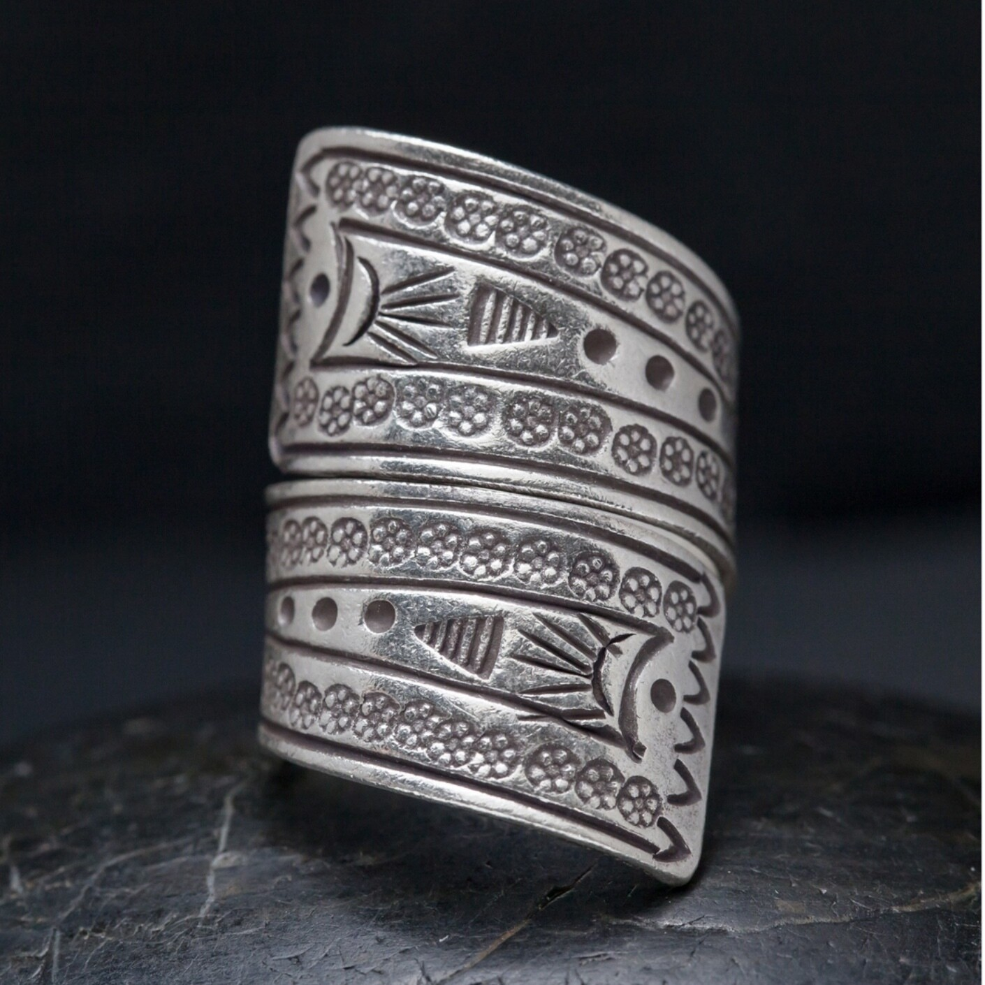 Hill Tribe Silver Wrap Around Band - RB27
